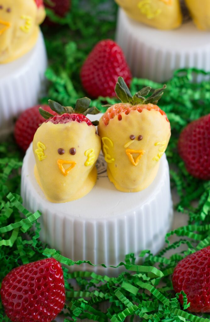 White Chocolate Easter Chick Strawberries + 300$ Giveaway
